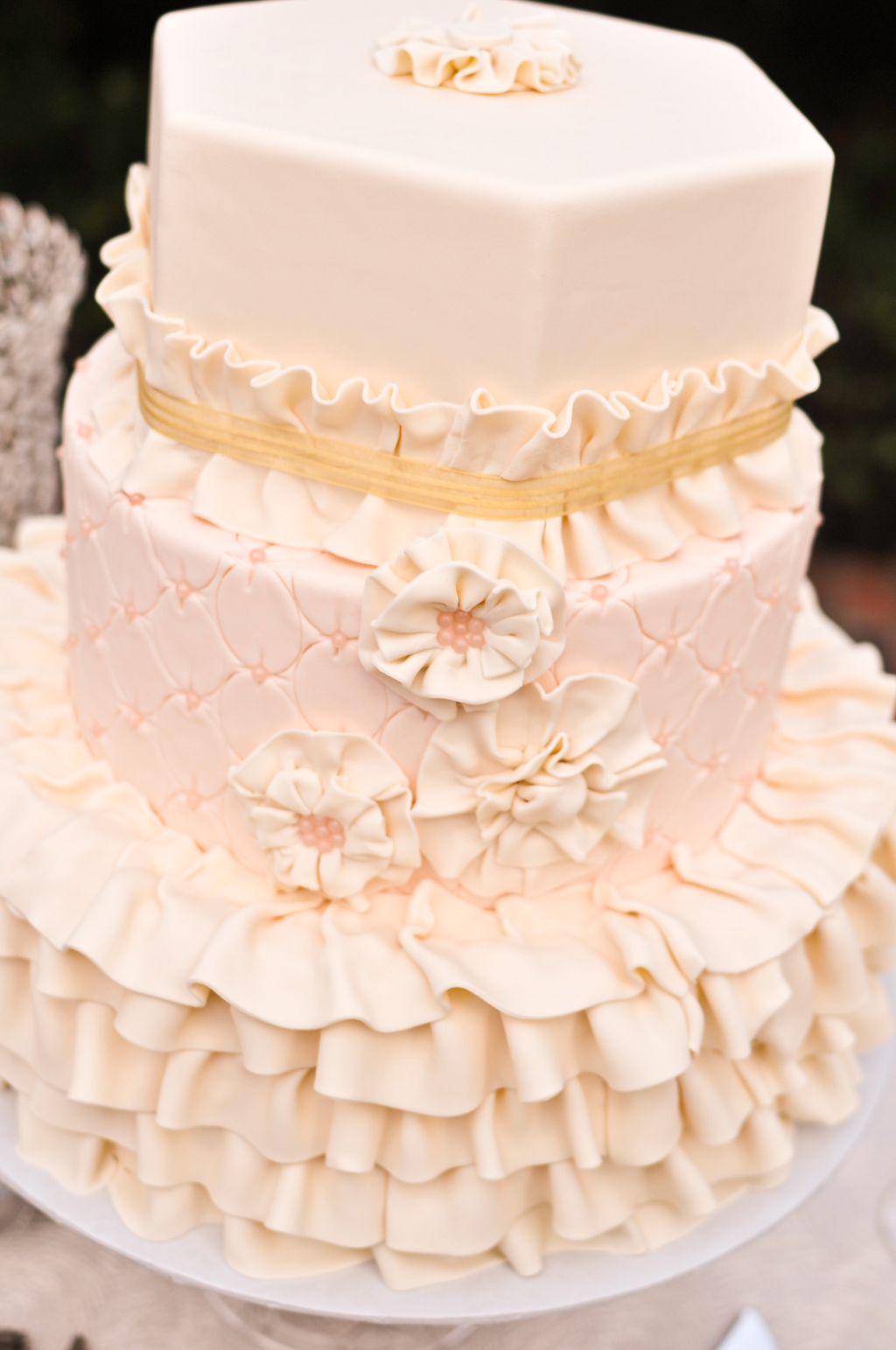 Blush-pink-ruffly-wedding-cake.full