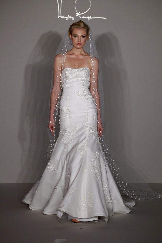 Hayley paige 2012 wedding dress drop waist mermaid with for Heart shaped mermaid wedding dresses