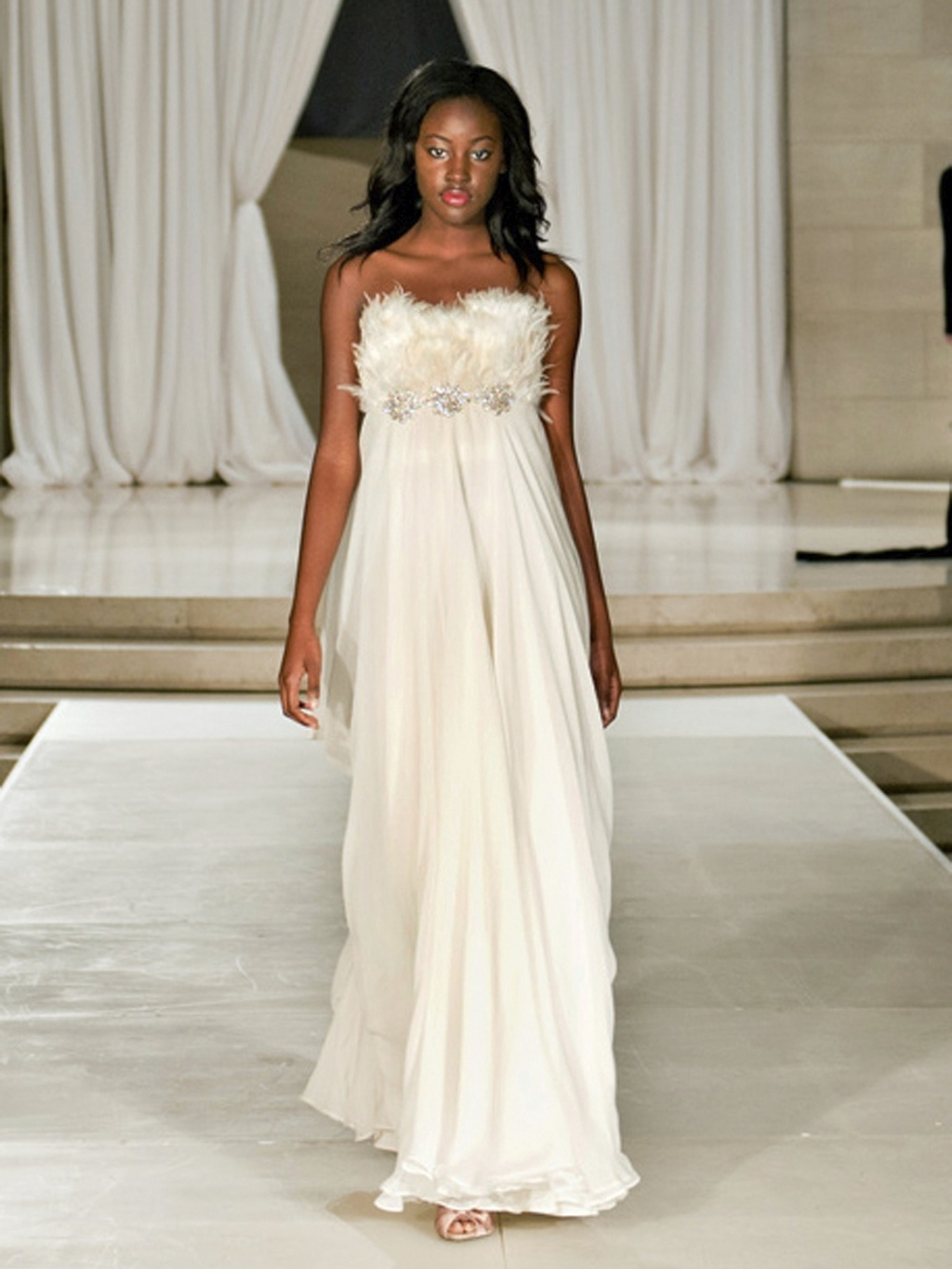Nha-khanh-wedding-dress-2012-bridal-gowns-empire-strapless-feathers.full