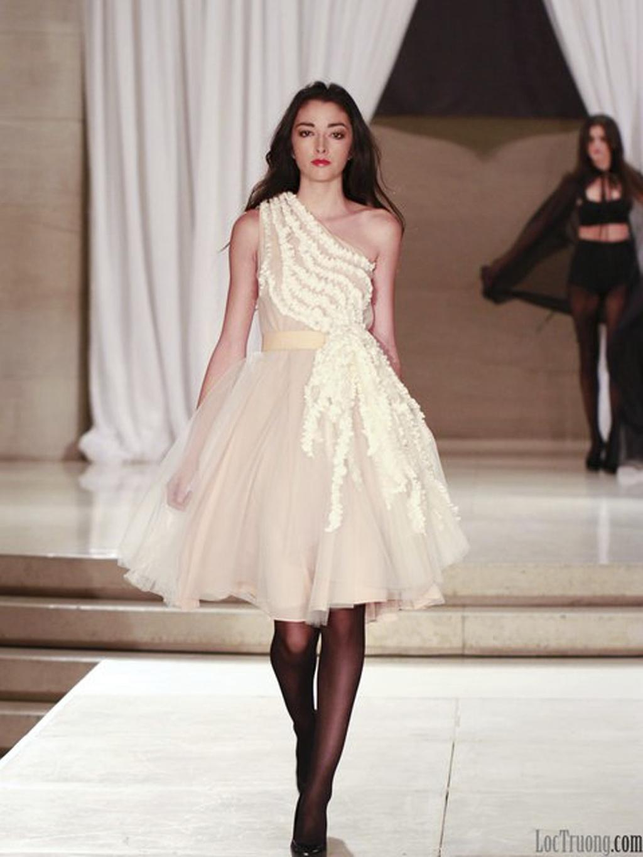 Nha-khanh-wedding-dress-2012-bridal-gowns-1-shoulder-reception-dress.full