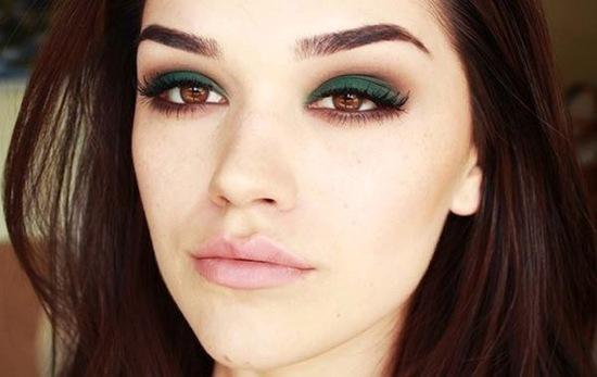 Matte emerald green wedding eye shadow