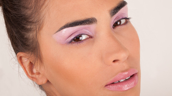 Lilac glossy eyes and pink lips wedding makeup look