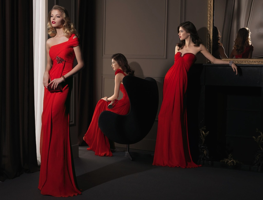 Gorgeous-2014-bridesmaid-dresses-from-aire-barcelona-ladies-in-red.full