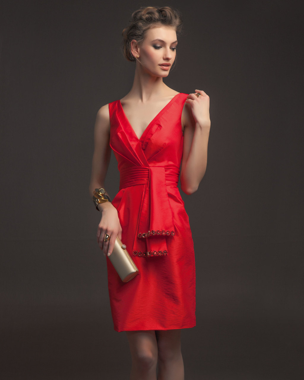Gorgeous-2014-bridesmaid-dresses-from-aire-barcelona-vintage-short-bright-red-with-embellished-sash.full