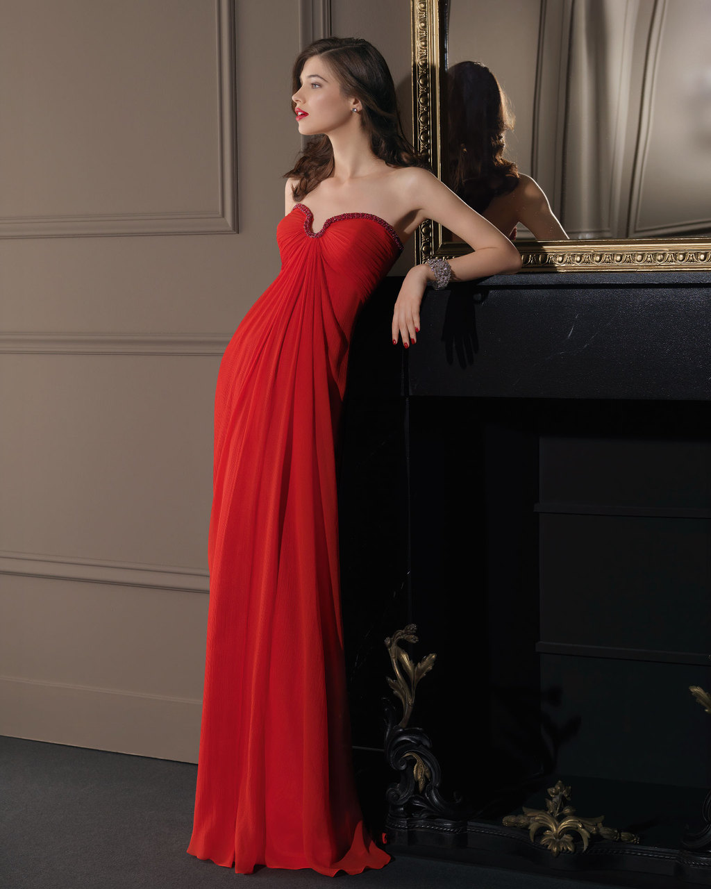 Gorgeous-2014-bridesmaid-dresses-from-aire-barcelona-red-notched-sweetheart.full