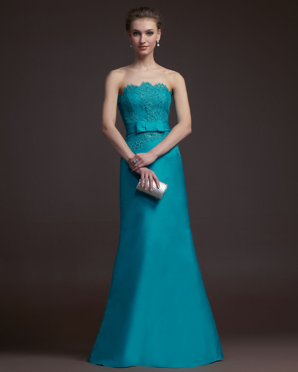 Gorgeous-2014-bridesmaid-dresses-from-aire-barcelona-teal-mermaid-with-lace-bodice.full