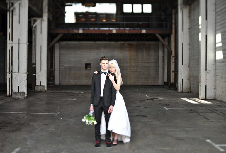 Quirky-grooms-attire-bow-tie-bouquet.full