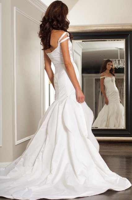 Jean Ralph Thurin wedding dress Modern bridal collection