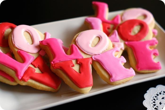 Diy-love-wedding-cookie-favors.full