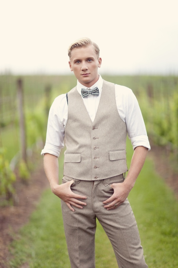 Here-comes-the-groom-stylish-attire-for-the-modern-man-5.full