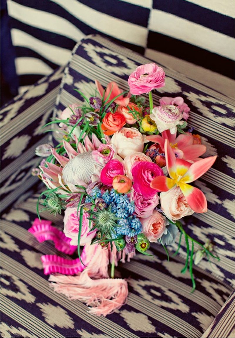 Gorgeous-tropical-wedding-bouquet-with-fringe-wrap.full