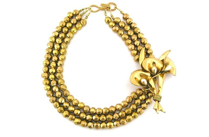 Statement wedding necklaces- majestic gold