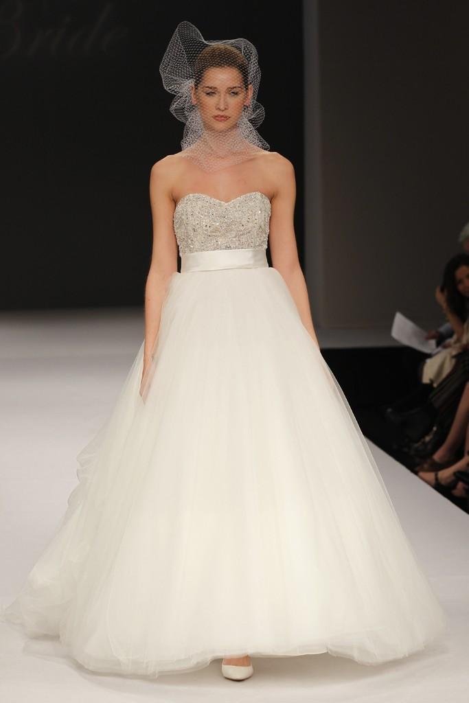Badgley-mischka-wedding-dresses-spring-2012-bridal-gown-19.full