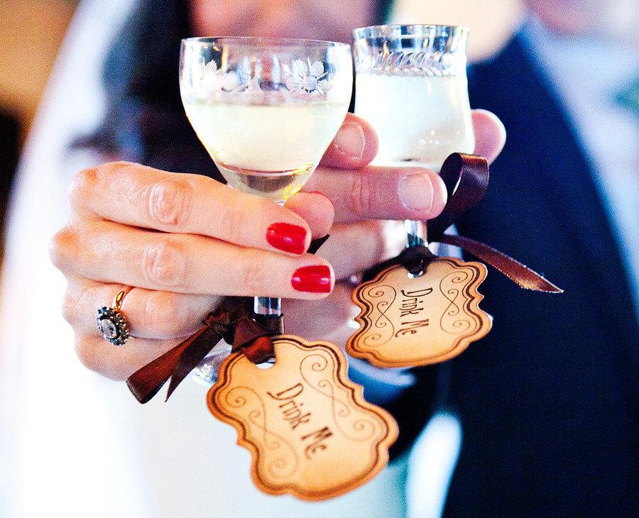 Drink-me-wedding-favor-tags.full