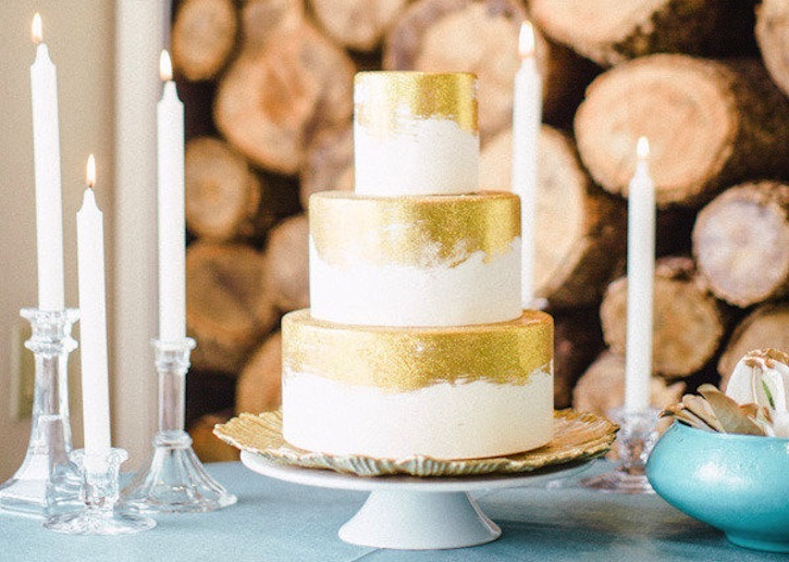 ivory and gold three tier wedding cake