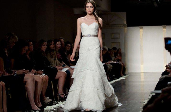 Lace-wedding-dres-lazaro-mermaid.full