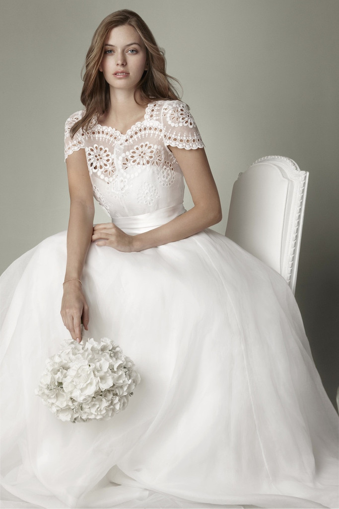 1950s-vintage-wedding-dress-with-lacy-top.full