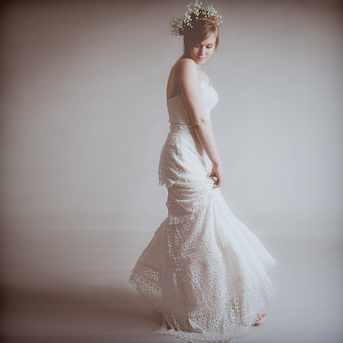 Eco-vintage-romantic-tiered-wedding-dress.full