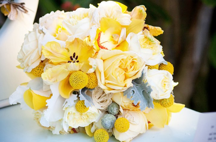 White and yellow bridal bouquet wedding flowers 12 mightylinksfo