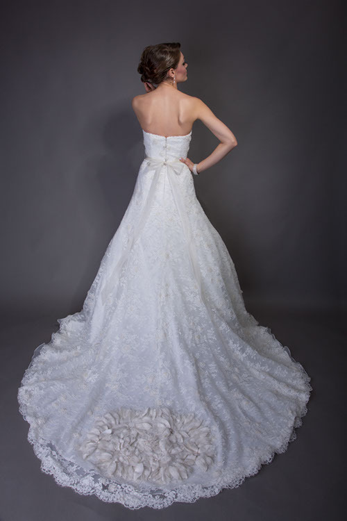 Eva Back Wedding Dress