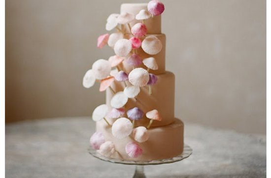 Pink-shell-wedding-cake.medium_large