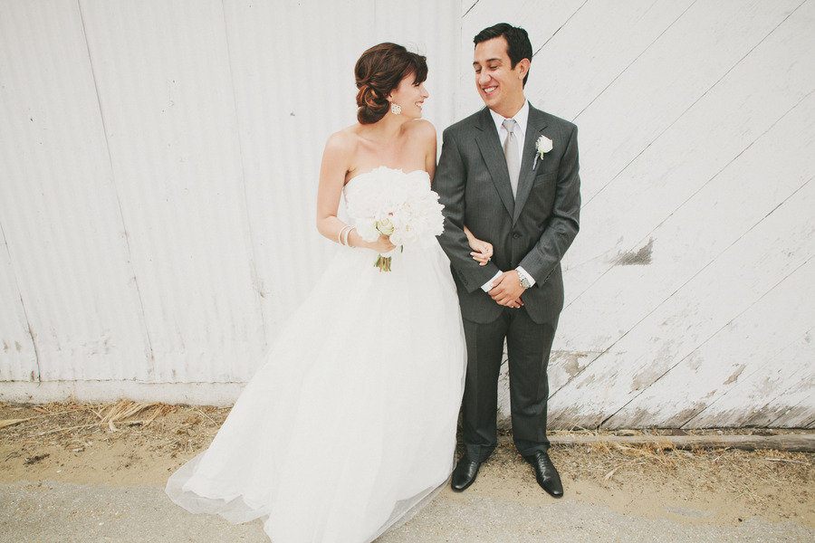 Real-bride-wears-white-by-vera-wang-ball-gown-wedding-dress.full
