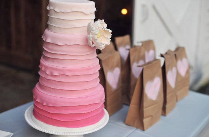 Pretty-pink-wedding-cakes-3.full