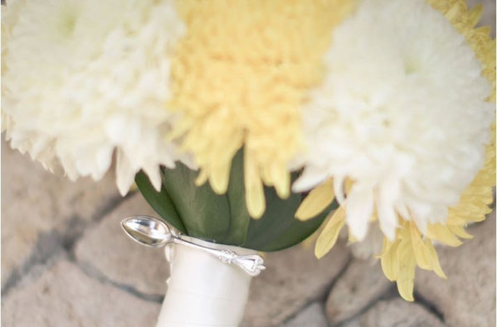 White-yellow-bridal-bouquet-6.full