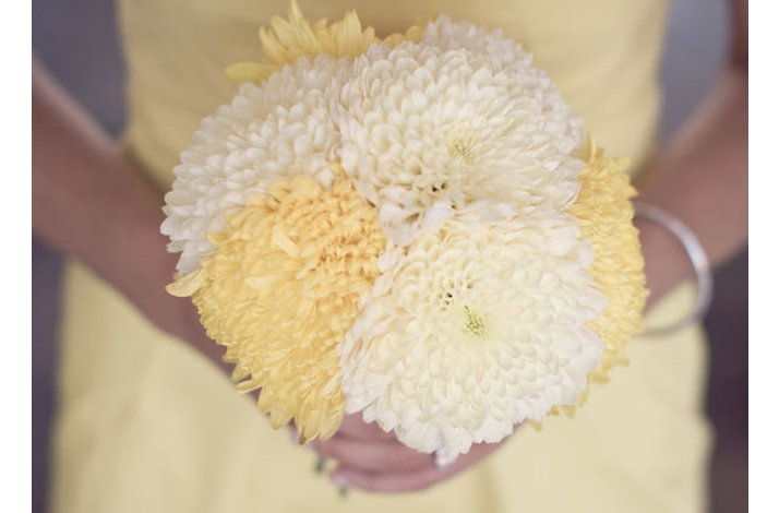 White and yellow bridal bouquet, wedding flowers 5
