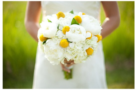 White and yellow bridal bouquet, wedding flowers 1