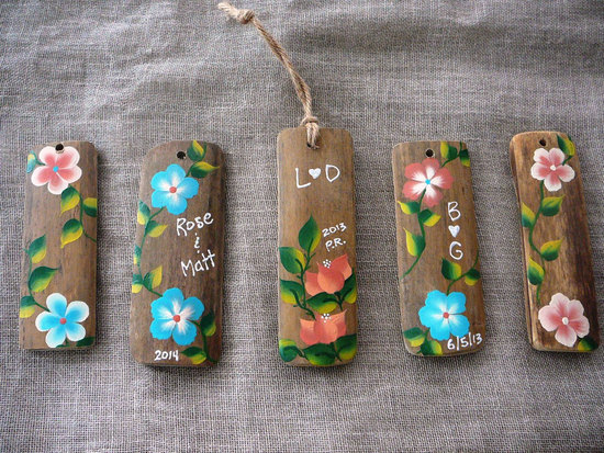 handpainted bamboo wood wedding favors