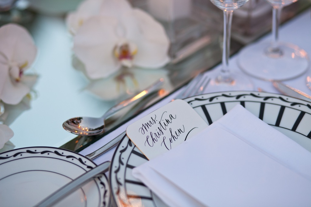 Elegant-black-and-white-deco-inspired-wedding-place-setting.full
