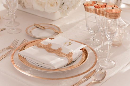 Elegant rose gold and white wedding table