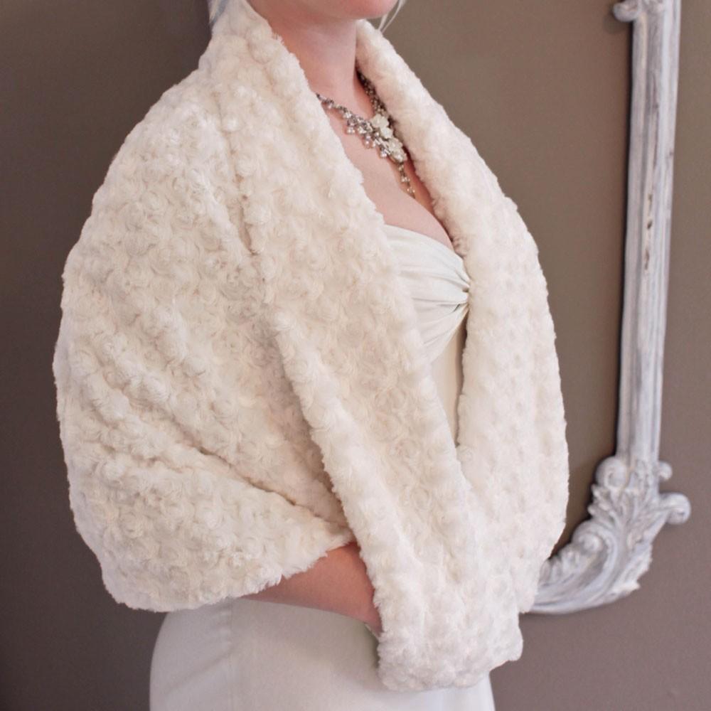 Ivory-rosette-faux-fur-bridal-cape.full