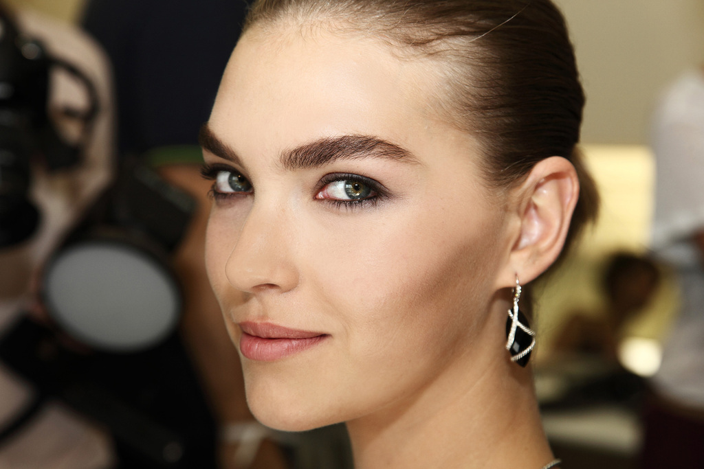 Serious-brows-bridal-beauty-trends.full