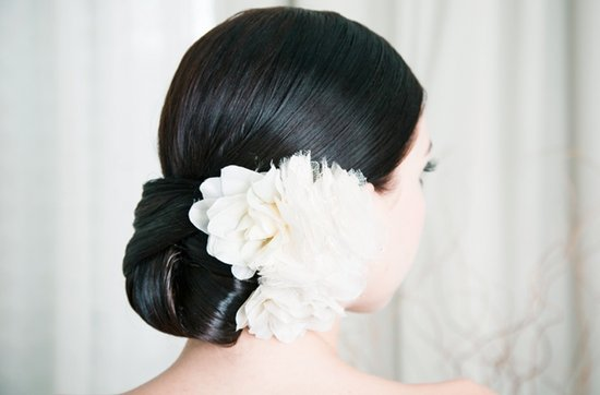 Elegant low bun wedding hairstyle