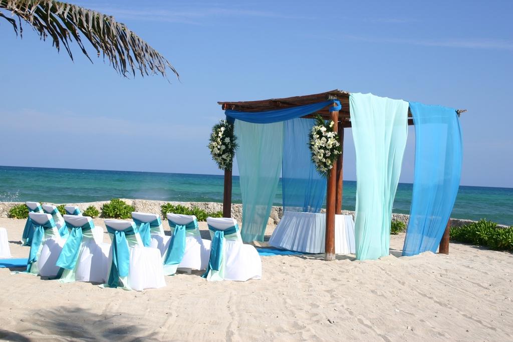 Beachfront%20wedding.full