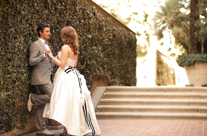 fall wedding on halloween los angeles bride and groom. Black Bedroom Furniture Sets. Home Design Ideas