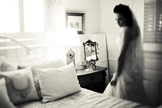 Fall wedding in Georgia- bride gets ready