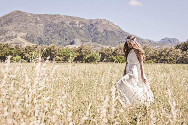 Bo-and-luca-wedding-dresses-for-bohemian-brides-4.full