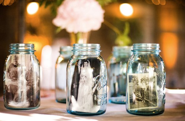 Mason jars with family photos for your wedding
