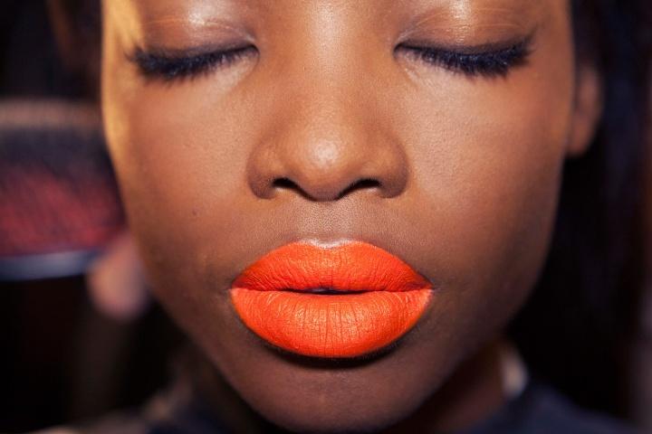 Bright-neon-orange-lipstick-for-daring-brides.full