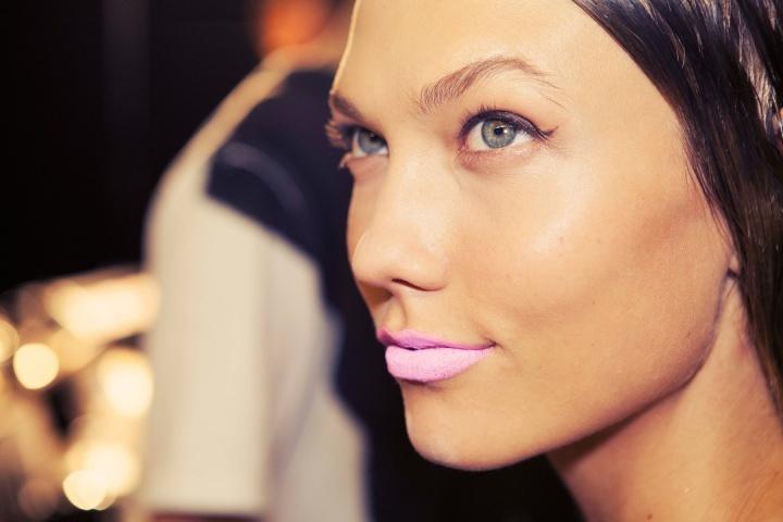Matte-pastel-pink-lipstick-for-mod-brides.full