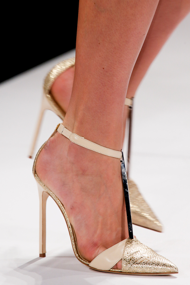 Carolina-herrera-bridal-beauty-and-style-inspiration-5.full