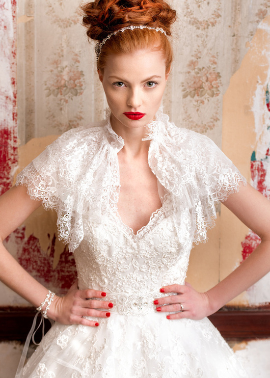 Vintage V-Neck Wedding Dress
