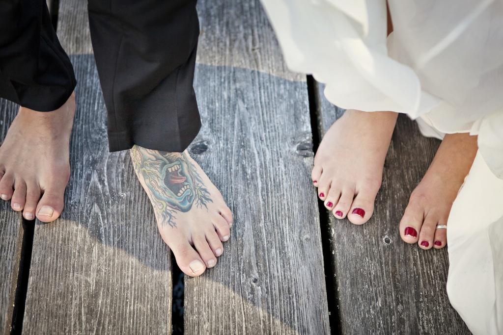 Offbeat-bride-groom-courtney-bowlden.full