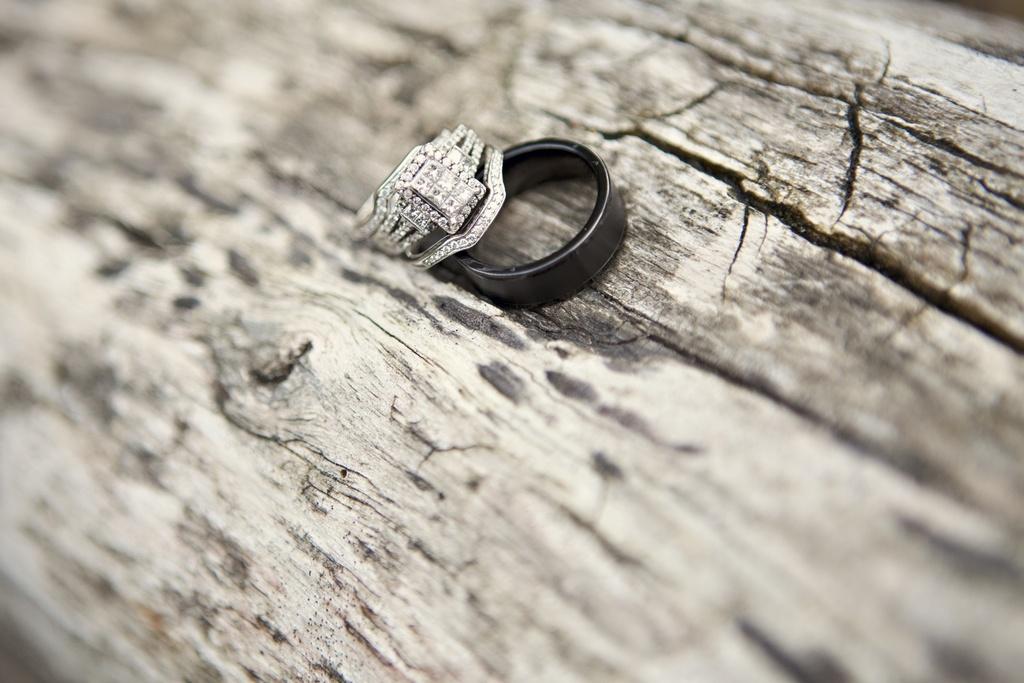 Outdoor-real-wedding-2012-wedding-bands.full