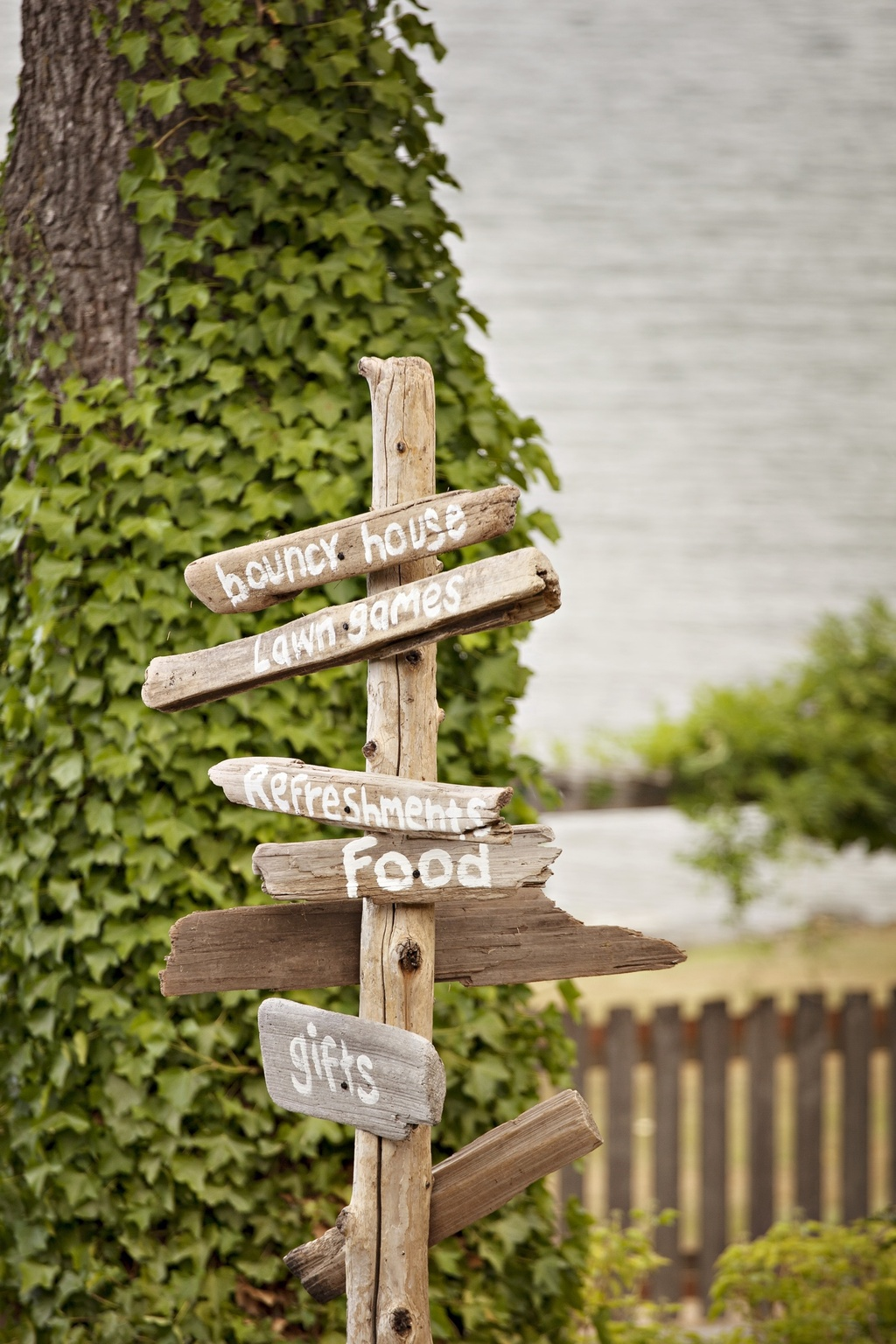 Outdoor-casual-wedding-2012-rustic-wedding-signs.full