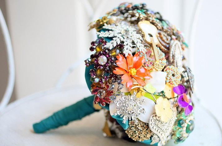 Colorful-brooch-bouquets-3.full