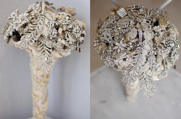 Winter-wedding-flowers-brooch-bridal-bouquet.full